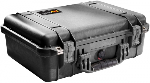 pelican-waterproof-lens-photographer-case.jpg